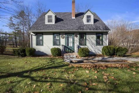 18 Maple Street Newmarket NH 03857