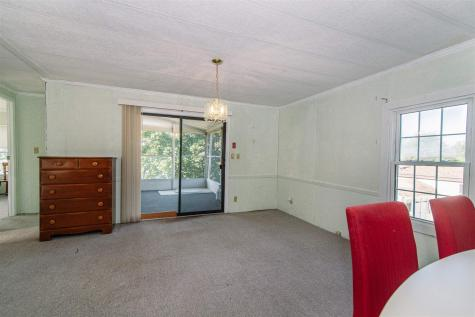 290 Calef Highway Epping NH 03042