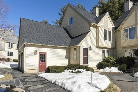 27 Dorchester Way Nashua NH 03064