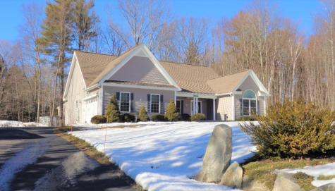 19 Olde Bridge Lane Epping NH 03042