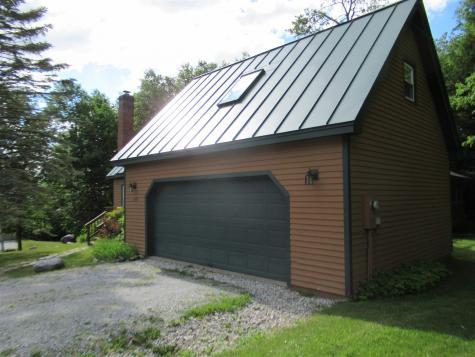 100 Top Ridge Road Mendon VT 05701