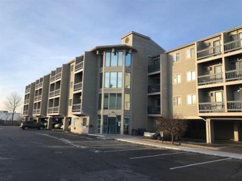 32 Ashworth Avenue Hampton NH 01832