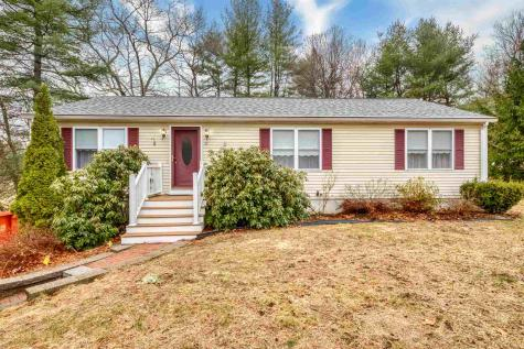11 Laurel Avenue Plaistow NH 03865