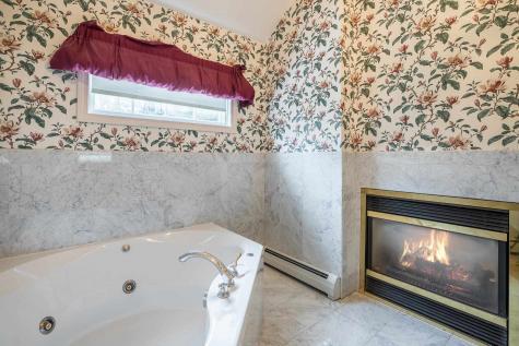 3904 & 3888 Vermont Route 7A Arlington VT 05250