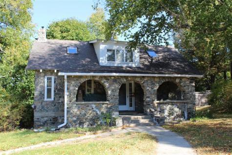 20 Ridge Avenue Claremont NH 03743