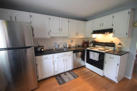 112 Bayberry Lane Londonderry NH 03053
