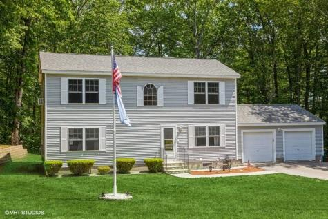 37 Ledgeview Drive Rochester NH 03839