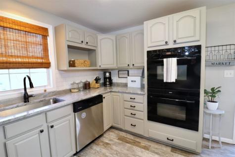 7 Maplewood Drive Londonderry NH 03053