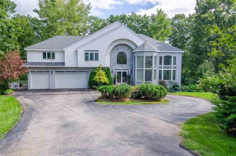 7 Aqua Way Salem NH 03079