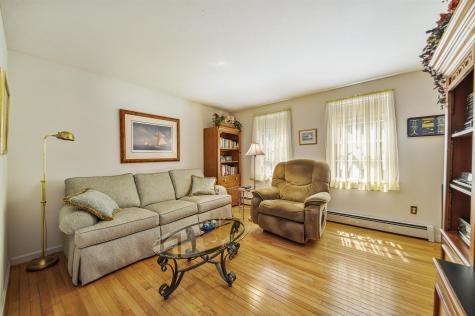 18 Maple Avenue Deerfield NH 03037