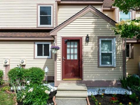 49 Bridle Path Dover NH 03820