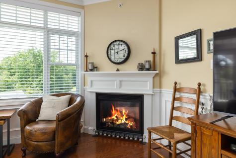 6 Sterling Hill Lane Exeter NH 03833