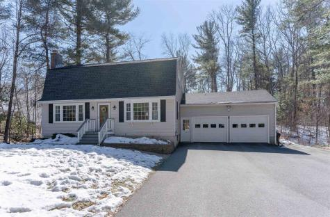 17 Acropolis Avenue Londonderry NH 03053