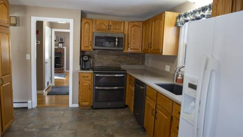 12 Crawford Avenue Exeter NH 03833