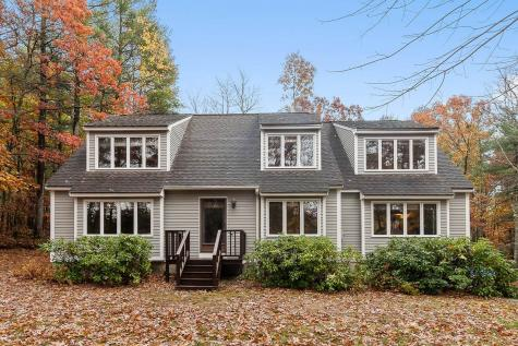 8 Oriole Road Windham NH 03087