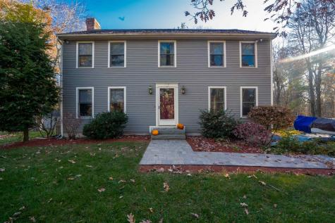 17 MEADOWBROOK Road Derry NH 03038