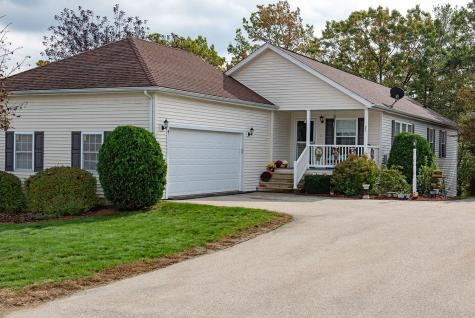 26 Ironwood Circle Hooksett NH 03106