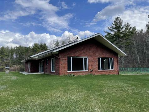 51 Saxon Hill Road Essex VT 05452