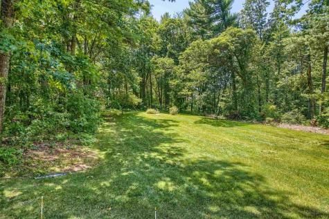 19 King Henry Drive Londonderry NH 03053